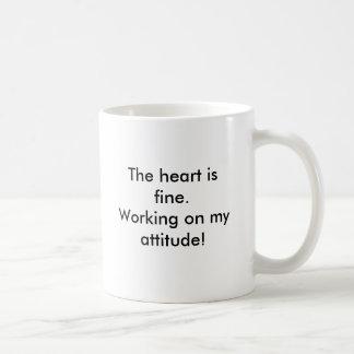 Le coeur est très bien. Travailler à mon attitude Mug