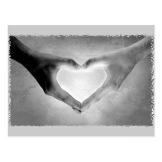 Le coeur remet la photo de B&W Carte Postale