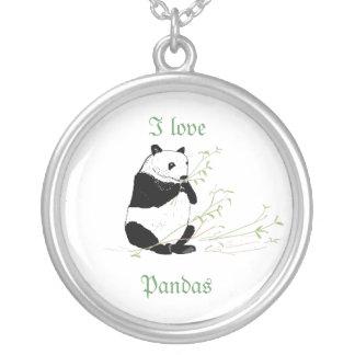 Le collier et moi de panda aiment des pandas