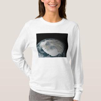 Le continent congelé de l'Antarctique T-shirt