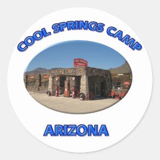 Le cool jaillit camp sticker rond