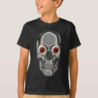 Le crâne déplaisant regarde le T-shirt d'enfants