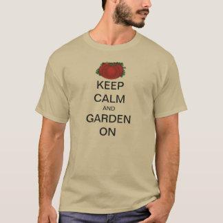 Le cru gardent le calme et le jardin sur la tomate t-shirt
