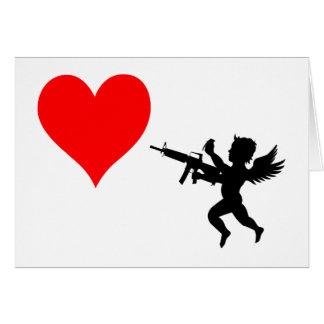 Le cupidon armé détruit l'amour carte de vœux