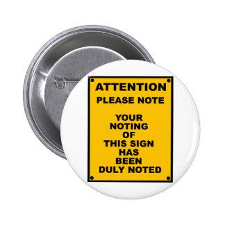 Le ~ d'avertissement notent svp le ~ charrient le badge