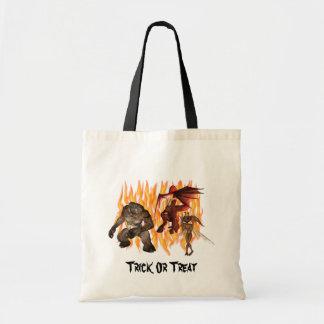 Le démon Gremlin de monstre flambe le sac fourre-t