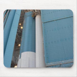 Le deuxième moteur solide de fusée est entré dans tapis de souris