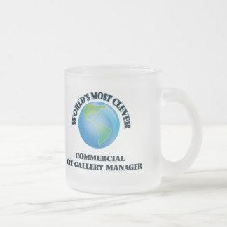Le directeur de galerie de l'art commercial le mug