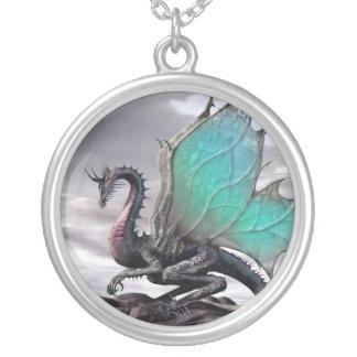 Le dragon du rocher - pendentif rond