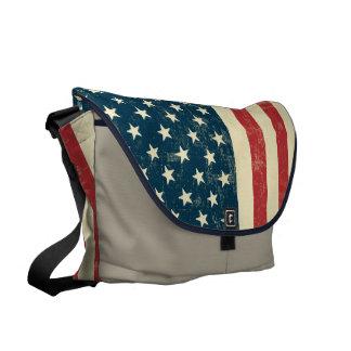 Le drapeau américain âgé s'est fané besaces