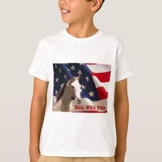Le drapeau américain de cheval badine le T-shirt