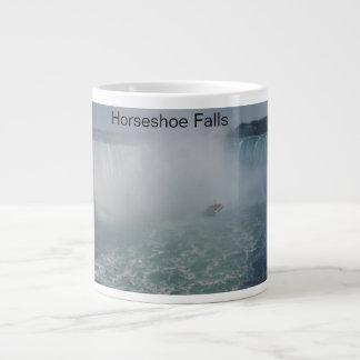 Le fer à cheval tombe dans les chutes du Niagara Mug