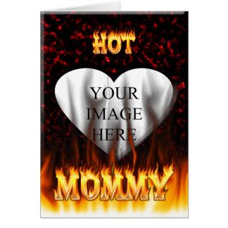 Le feu chaud de maman et coeur de marbre rouge carte de correspondance