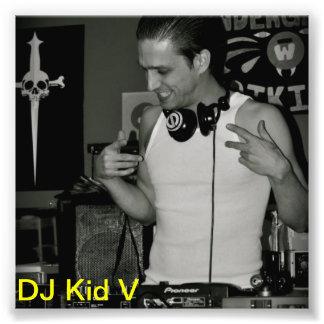 Le fonctionnaire DJ badinent la photo de V