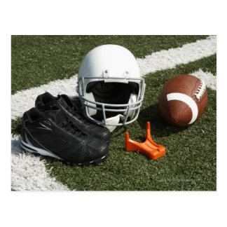 Le football, casque de football, pièce en t et carte postale