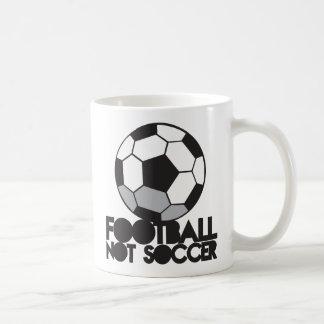 Le football du FOOTBALL pas ! chemise de boule Mug