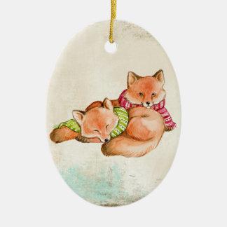 Le Fox se blottit l'ornement Ornement Ovale En Céramique