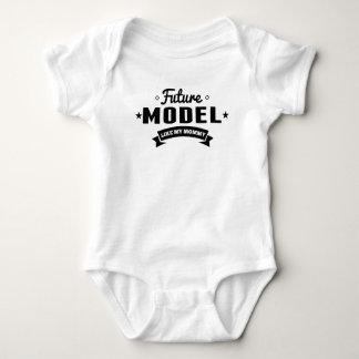 Le futur modèle aiment ma maman body