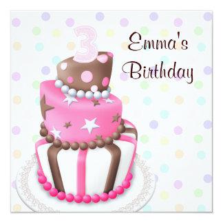 Le gâteau rose de Brown présente la 3ème fête Carton D'invitation 13,33 Cm