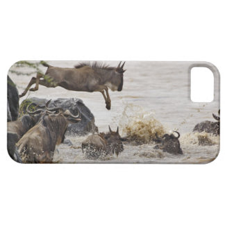 Le gnou sautant dans la rivière de Mara pendant Coques iPhone 5 Case-Mate