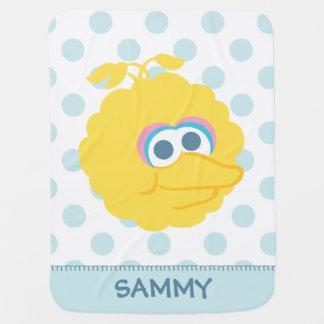 Le grand visage   de grand bébé d'oiseau ajoutent couvertures pour bébé