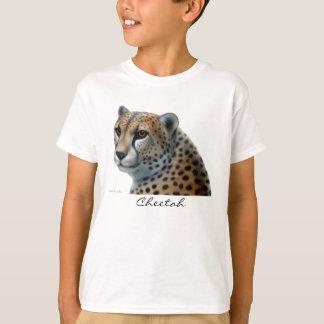 Le guépard badine le T-shirt