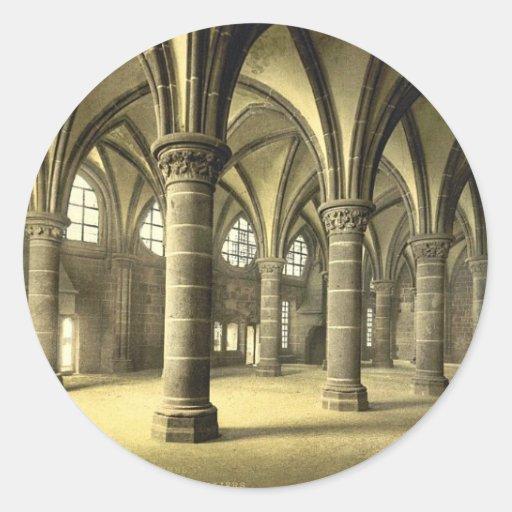 Le hall des chevaliers, St Michel, cru de Mont de  Autocollant Rond
