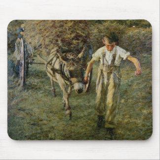 Le Haywain, c.1889 (huile sur la toile) Tapis De Souris