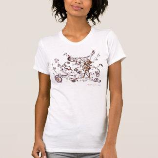 Le henné unique d'art a inspiré le T-shirt