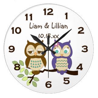 Le hibou lunatique mignon jumelle l'horloge murale grande horloge ronde