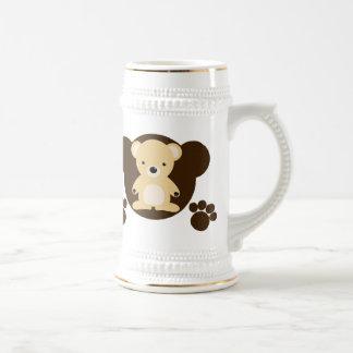 Le jouet bourré de l'ours tasses