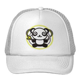 Le jouet bourré du panda casquettes de camionneur