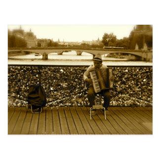 Le joueur d'accordéon - Pont des Arts, Paris Carte Postale