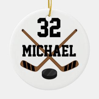 Le joueur de hockey de glace personnalisé folâtre ornement rond en céramique