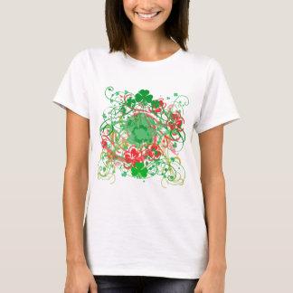 Le jour tourbillonnant de St Patrick de shamrocks T-shirt