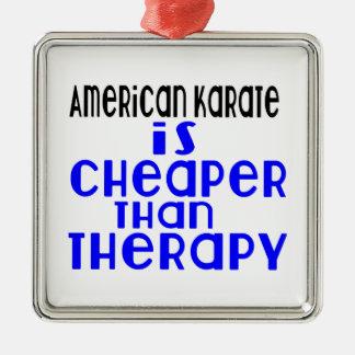 Le karaté américain est meilleur marché que la ornement carré argenté