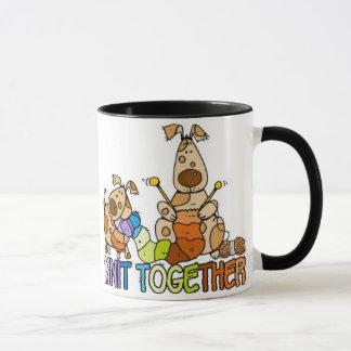 le knit attaquent ensemble mugs