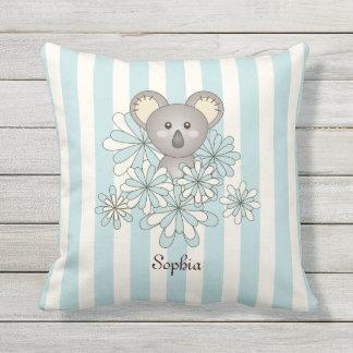 Le koala animal mignon de bébé badine le bleu en coussin