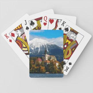 Le lac a saigné le paysage en automne jeu de cartes