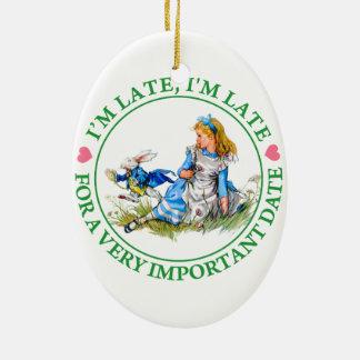 Le lapin blanc se précipite par Alice au pays des Ornement Ovale En Céramique