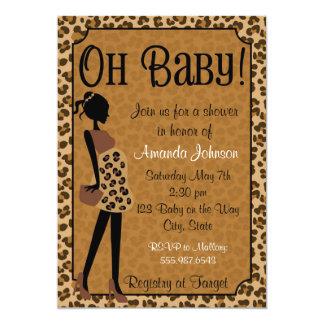 Le léopard chic Maman-à-est invitation de baby