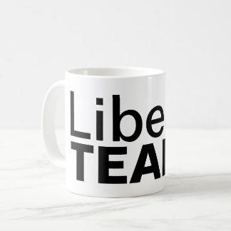 Le libéral déchire la tasse de café