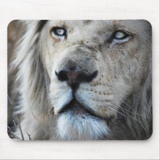 Le lion écoute mon battement de coeur tapis de souris