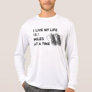 Le LS Wicking - la vie des hommes 13,1 milles à la T-shirt