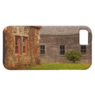 Le Maine, vieux bâtiment en pierre et grange en Coques Case-Mate iPhone 5