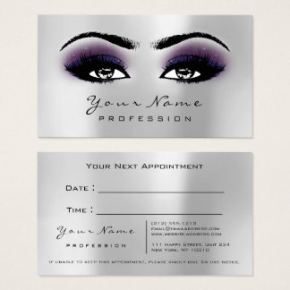 Le maquillage observe la carte violette grise de