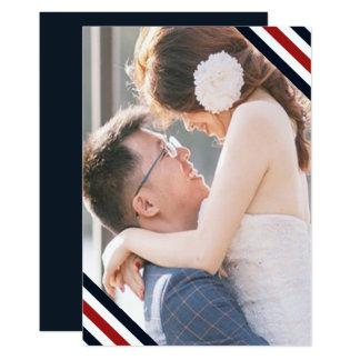 Le mariage côtier barre le blanc et la photo de carton d'invitation  12,7 cm x 17,78 cm