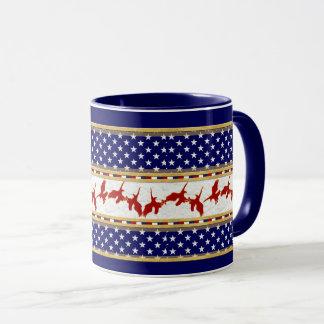Le mauvais Américain rouge d'Eagle tient le Mug