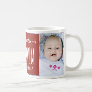 Le meilleur rouge de tasse de Noël de maman de