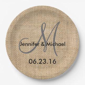 Le monogramme rustique de mariage de toile de jute assiettes en papier